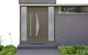 Porte en aluminium en demi lune avec 2 parties latérales fixes