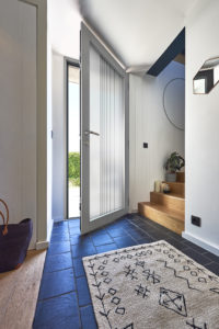 Porte d'entrée mixte bois aluminium vitrée